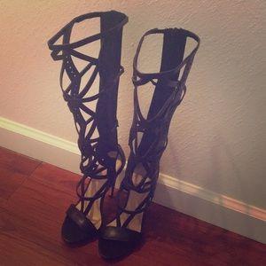 Sexy knee high heels 👠